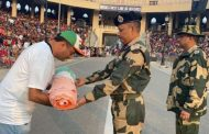 On 55th Raising Day, Dr. Aneel Kashi Murarka presented a Tricolour Banner to the brave Indian soldiers of the BSF during a ceremony at the Attari-Wagah border